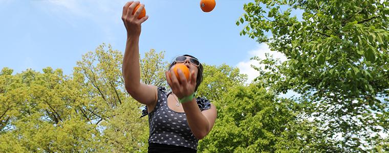 juggle-balls-2