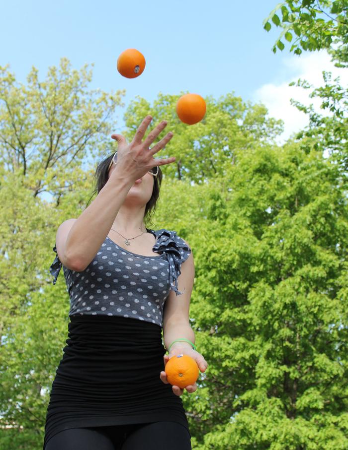 juggle-balls-3