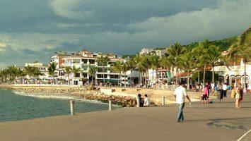 malecon-puerto-vallarta-2