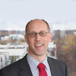 Dr. Martin Engstler
